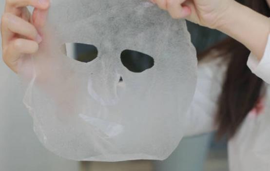 面膜布激光切割机,让您面膜敷白不白敷
