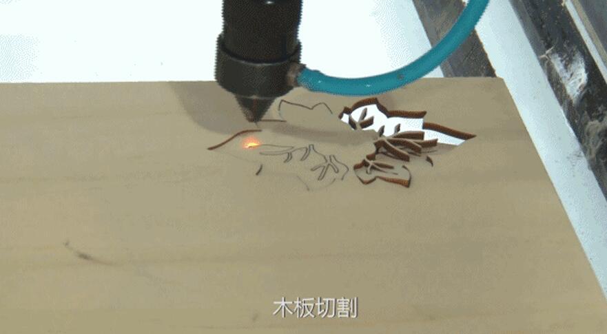 电影放映机激光切割,木质板材激光切割