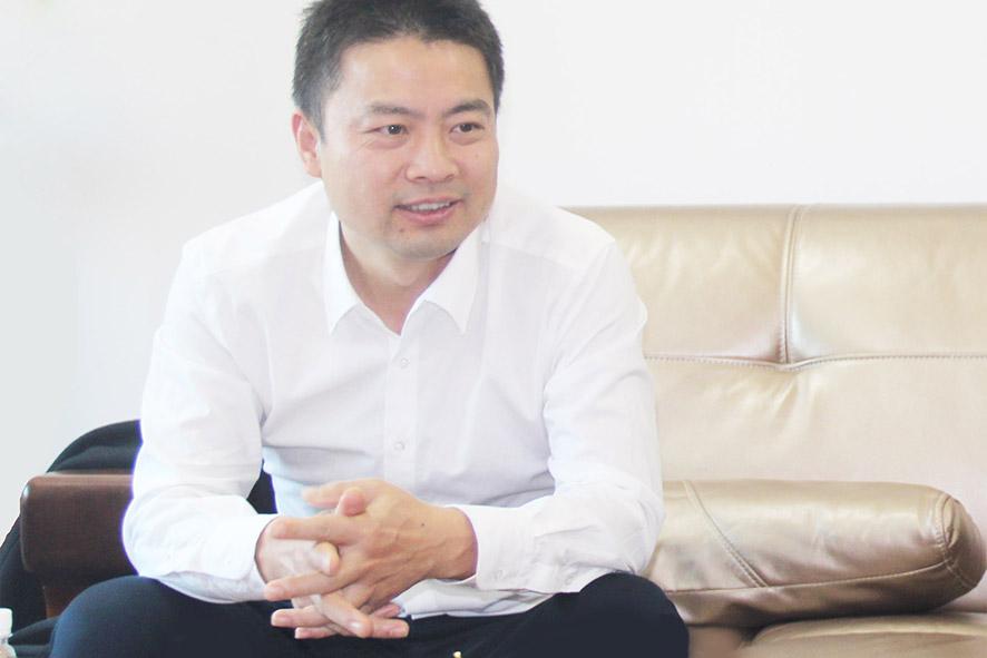 在中国缝制机械协会秘书长陈戟先生